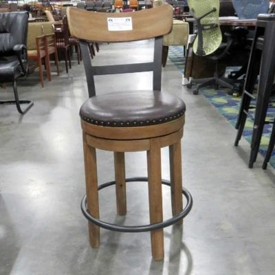 Ashley Furniture Pinnadel Counter Height Bar Stool