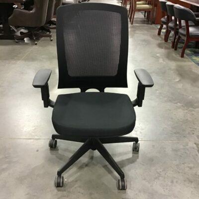HON Lota Mesh Back Desk Chair (Front View)